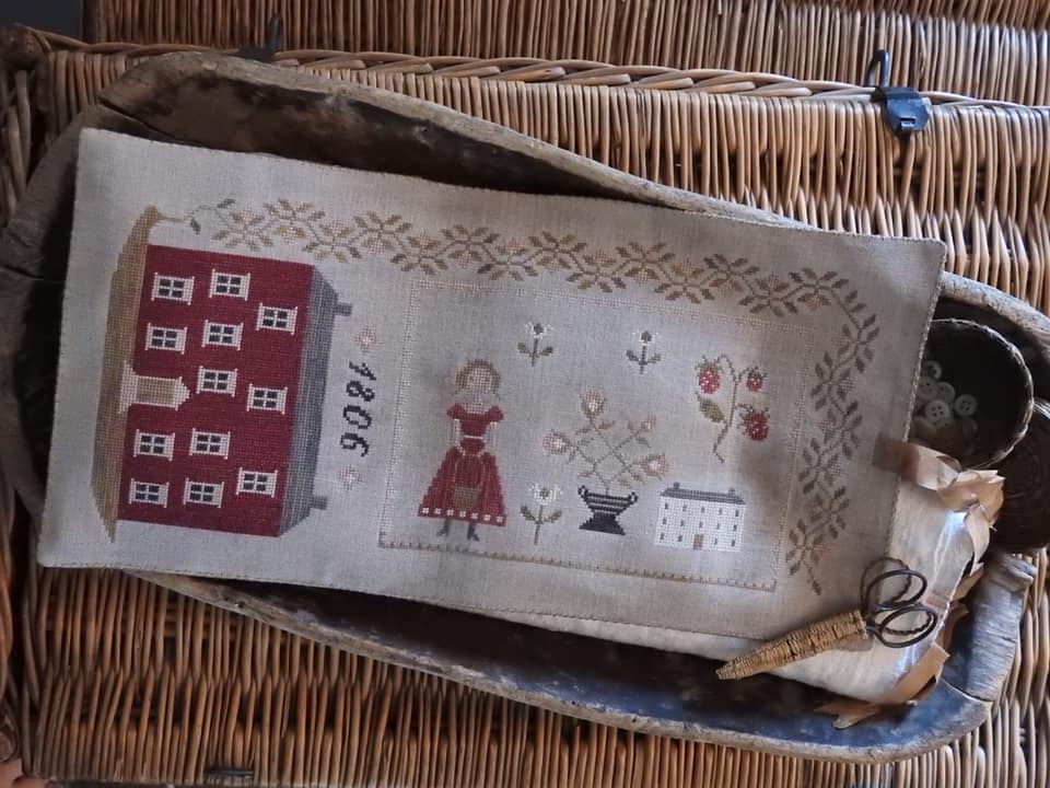 1806 Manor House Sewing Roll Cross Stitch Chart